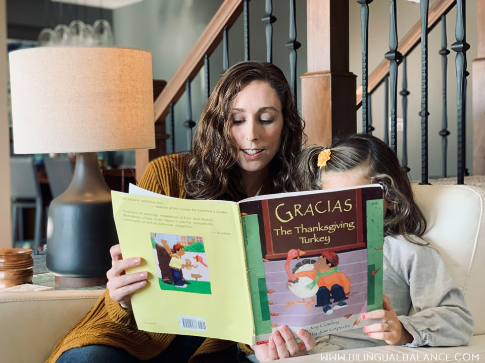 12 bilingual and Spanish books for kids about Thanksgiving and gratitude.