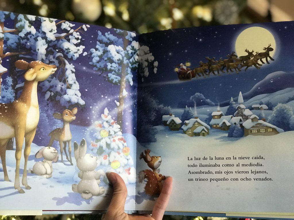 Era La Vispera de Navidad by Clement C. Moore.